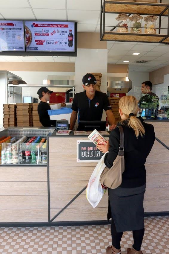 Il primo punto vendita italiano di Domino's Pizza