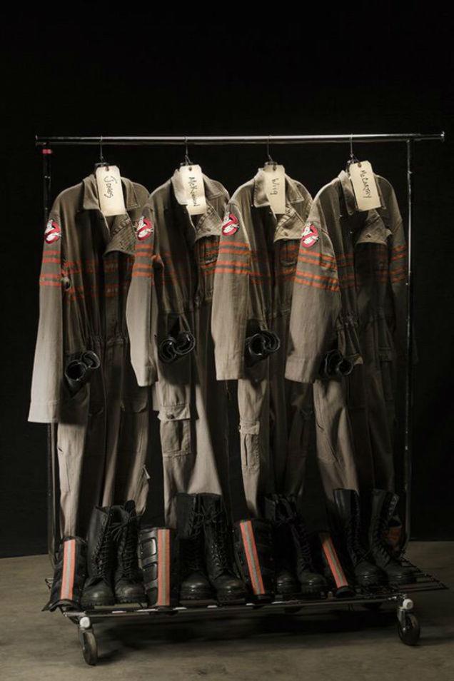 Le uniformi delle Acchiappafantasmi nel reboot di Ghostbusters