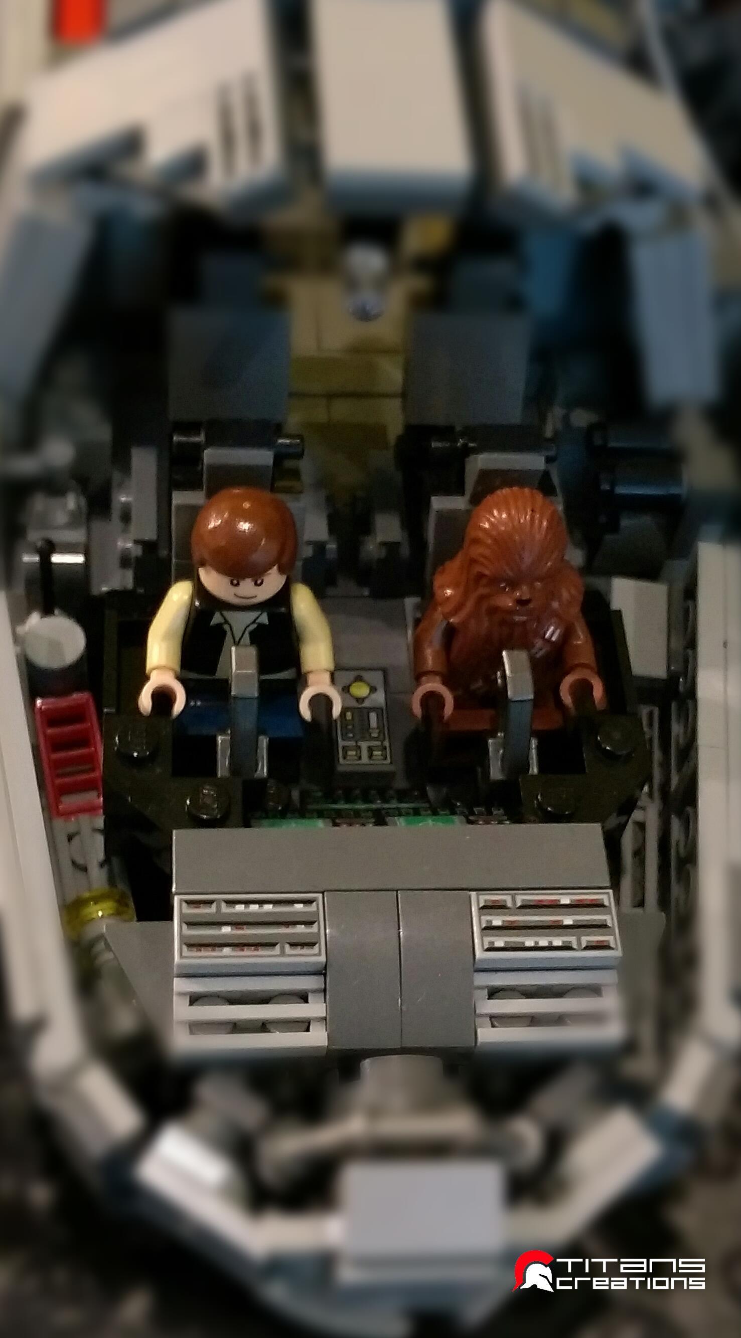 Millennium Falcon fatto coi LEGO