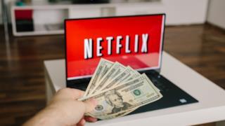 Un povero utente dona tutto il suo denaro a Netflix