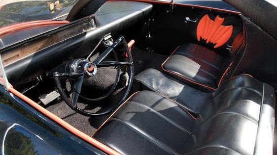 L'interno della Batmobile del 1966