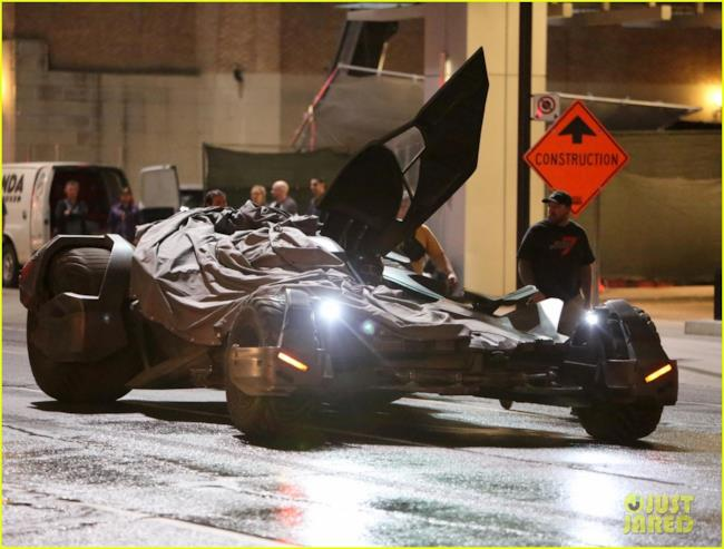 La Batmobile vista da vicino in Suicide Squad