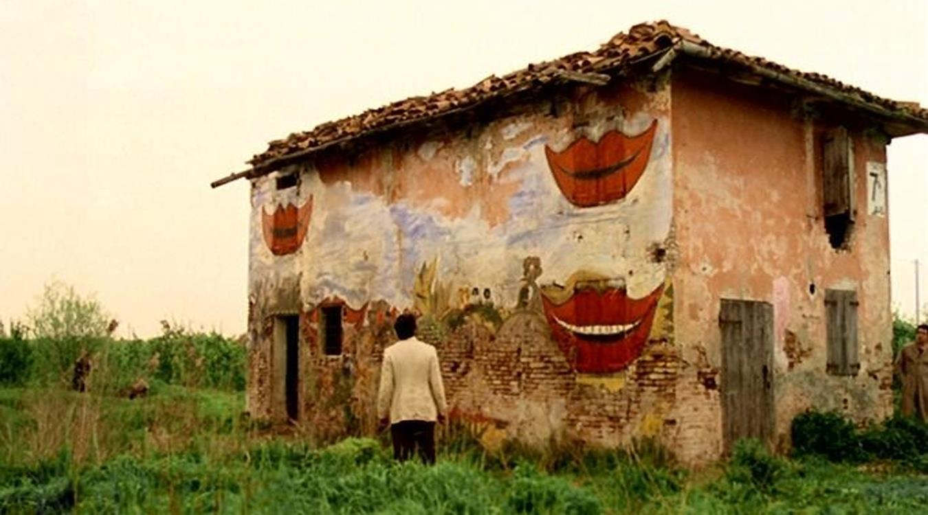 La famosa casa dalle finestre che ridono