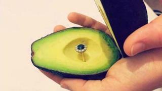 La proposta di matrimonio con l'avocado