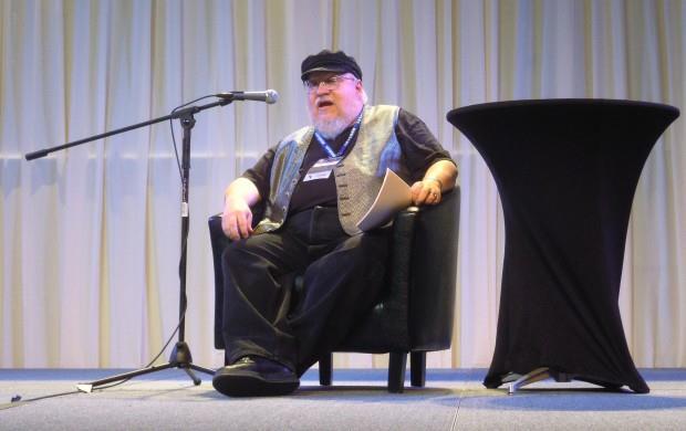 L'autore di Game of Thrones, George R. R. Martin a una fan-convention