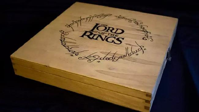 La scatola del Monopoly del Signore degli Anelli