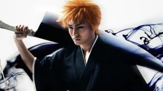 Ichigo Kurosaki in posa durante una scena del primo teaser trailer di Bleach