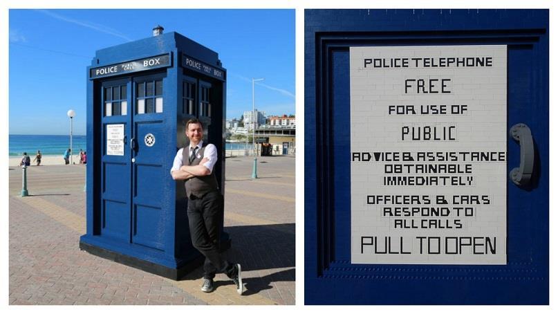 A sinistra il TARDIS costruito da The BrickMan a figura intera, a destra il particolare della targa sempre fatta di LEGO