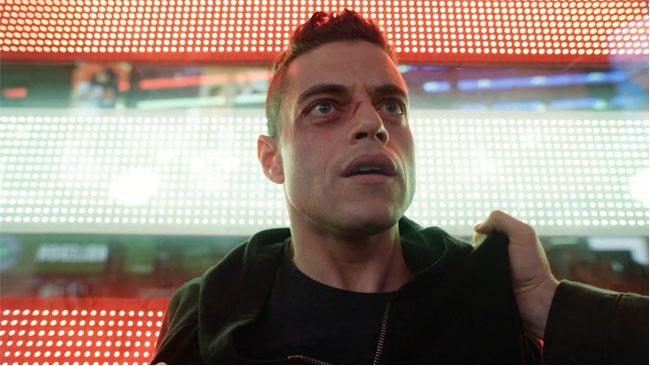 Sam Esmail in un frame tratto da Mr. Robot