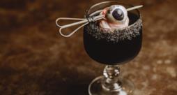 L'orrendo cocktail con l'occhio di toro congelato