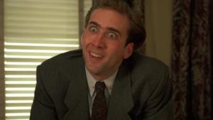 Nicolas Cage con un'espressione allucinata in volto