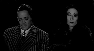 GIF Morticia e Gomez Addams