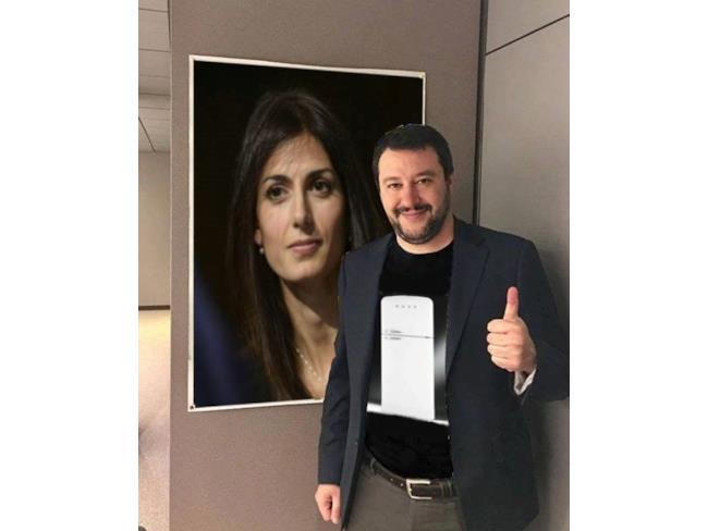 Meme di Salvini con il Sindaco Raggi