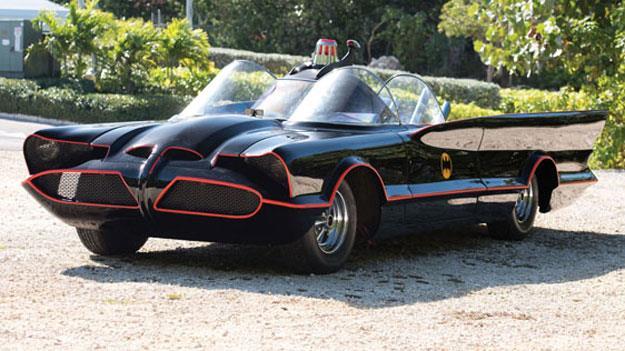 La replica della Batmobile dello show del 1966