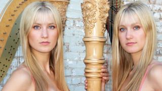 Camille e Kennerly sono due sorelle che suonano l'arpa elettrica