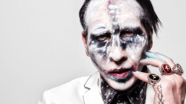 Marilyn Manson in posa.