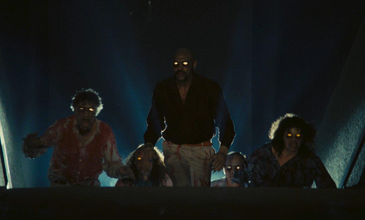 Una celebre scena del film Dèmoni