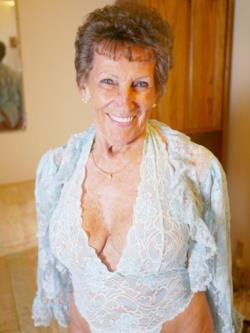 La pornstar 80enne Shirley Andrews