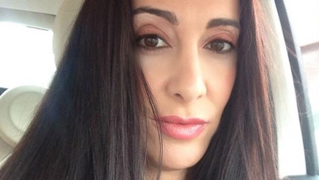 Triana Lavey, la donna che si è fatta ritoccare per dei selfie migliori