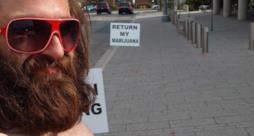 Il faccione barbuto di Jeffrey Shaver