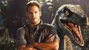 La foto di Chris Pratt e di un dinosauro