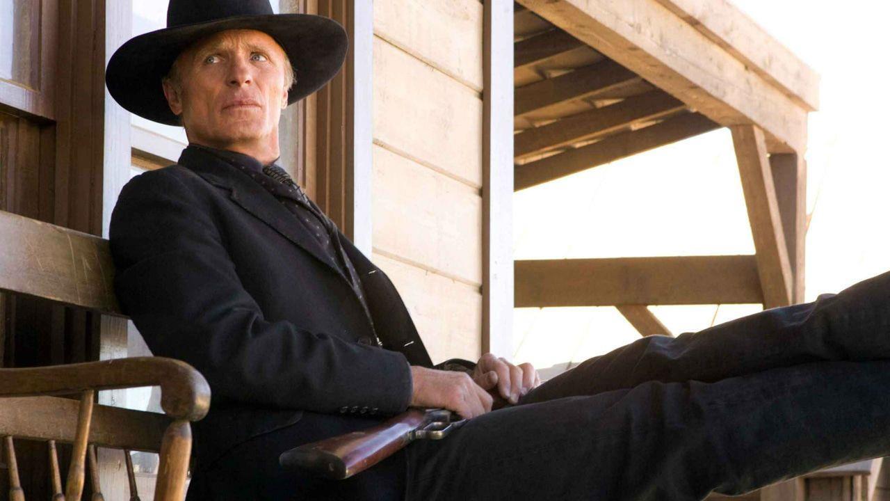 L'uomo vestito di nero presente in Westworld - Dove tutto è concesso