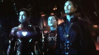 Una foto con alcuno supereroi Marvel