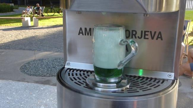 Inaugurata a Zalec la prima fontana di birra