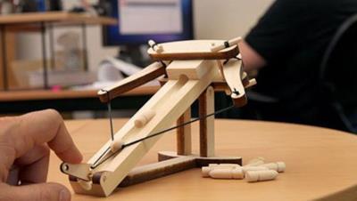La balestra di legno in miniatura  - Regali per la laurea