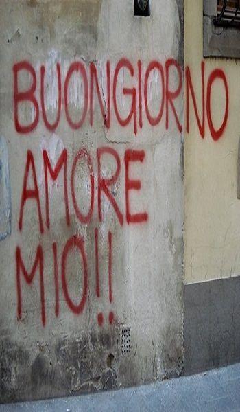 Una scritta d'amore su un muro