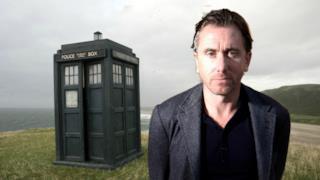 Il celebre attore britannico non ha nascosto il suo interesse per il ruolo del Dottore.