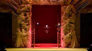 I droni portano le borsette Dolce & Gabbana