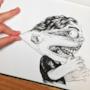 Il disegnatore tira la faccia del personaggio