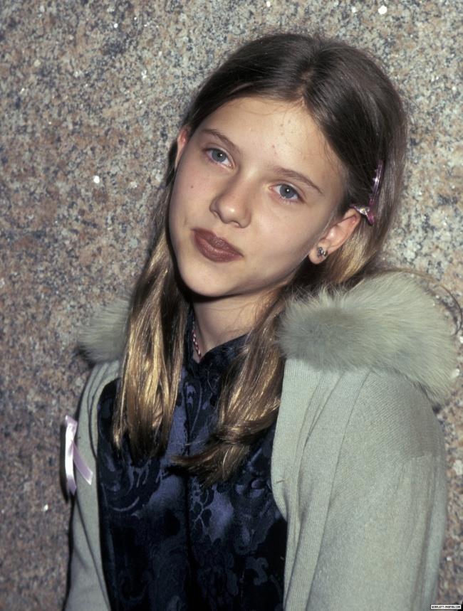 Un'immagine di Scarlett Johansson da adolescente