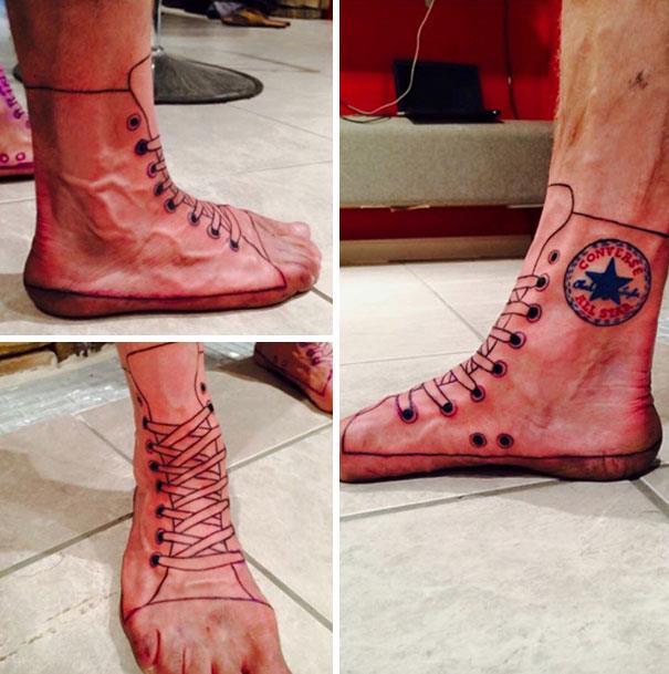 Delle scarpe All Star tatuate - I peggiori tatuaggi mai realizzati