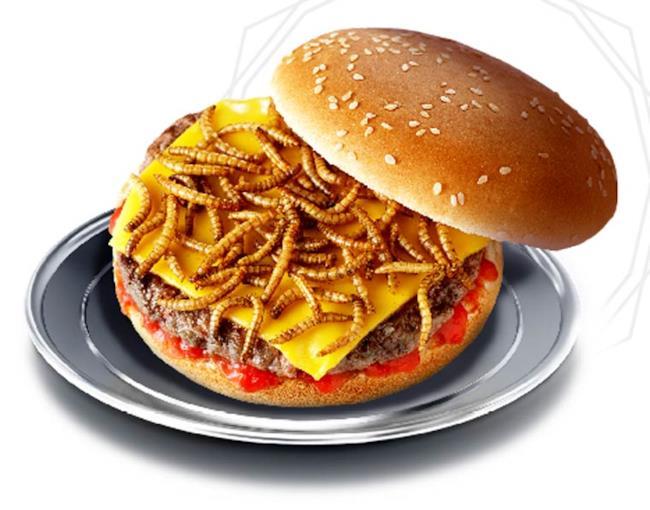 Edizione limitata del Creepy Burger con larve di coleottero