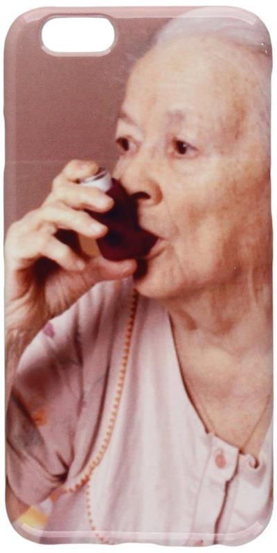 Cover per telefono raffigurante vecchietta con l'asma