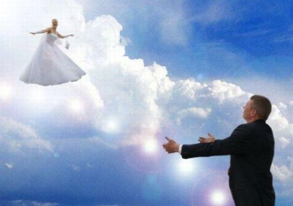 Sembra un angelo caduto dal cielo...(disperato oh disperato oh)