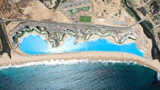 vista da Google Maps della piscina più grande del mondo