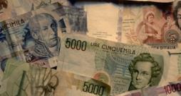 Alcune banconote in lire
