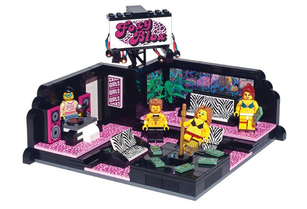 Lego Strip Club: il set completo