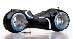 La riproduzione funzionante della lightcycle di TRON