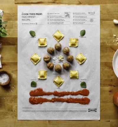 Tutti gli ingredienti per il piatto di ravioli in posizione