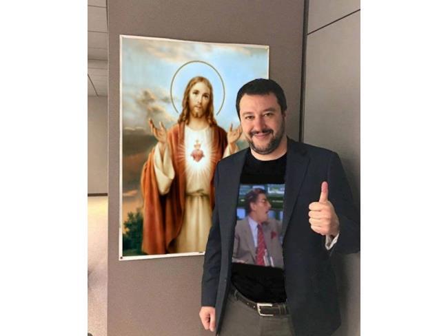Meme di Salvini con maglietta di Germano Mosconi