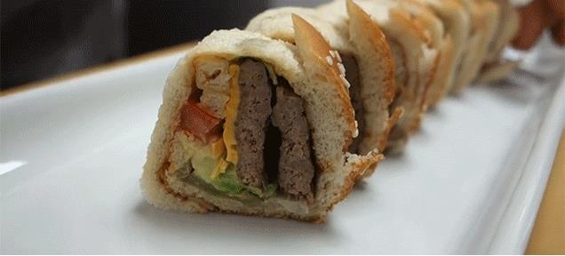 Il cheeseburger roll inventato da un sushi chef