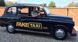 Una delle ragazze utenti del Fake Taxi