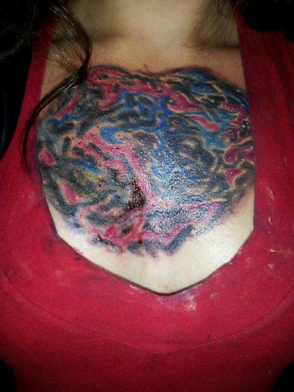 un tatuaggio su un petto fatto malissimo - I peggiori tatuaggi mai realizzati