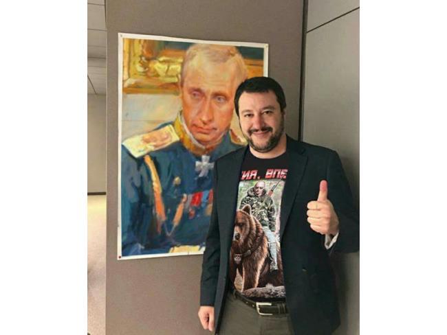 Meme di Salvini con Putin