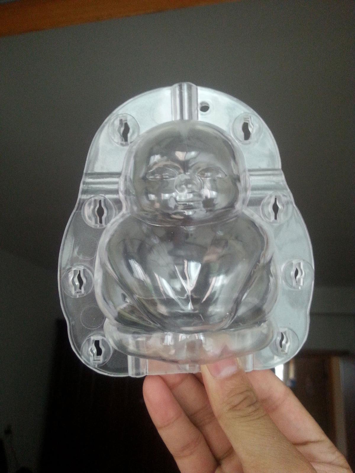 Stampo di plastica per creare pere a forma di bambino