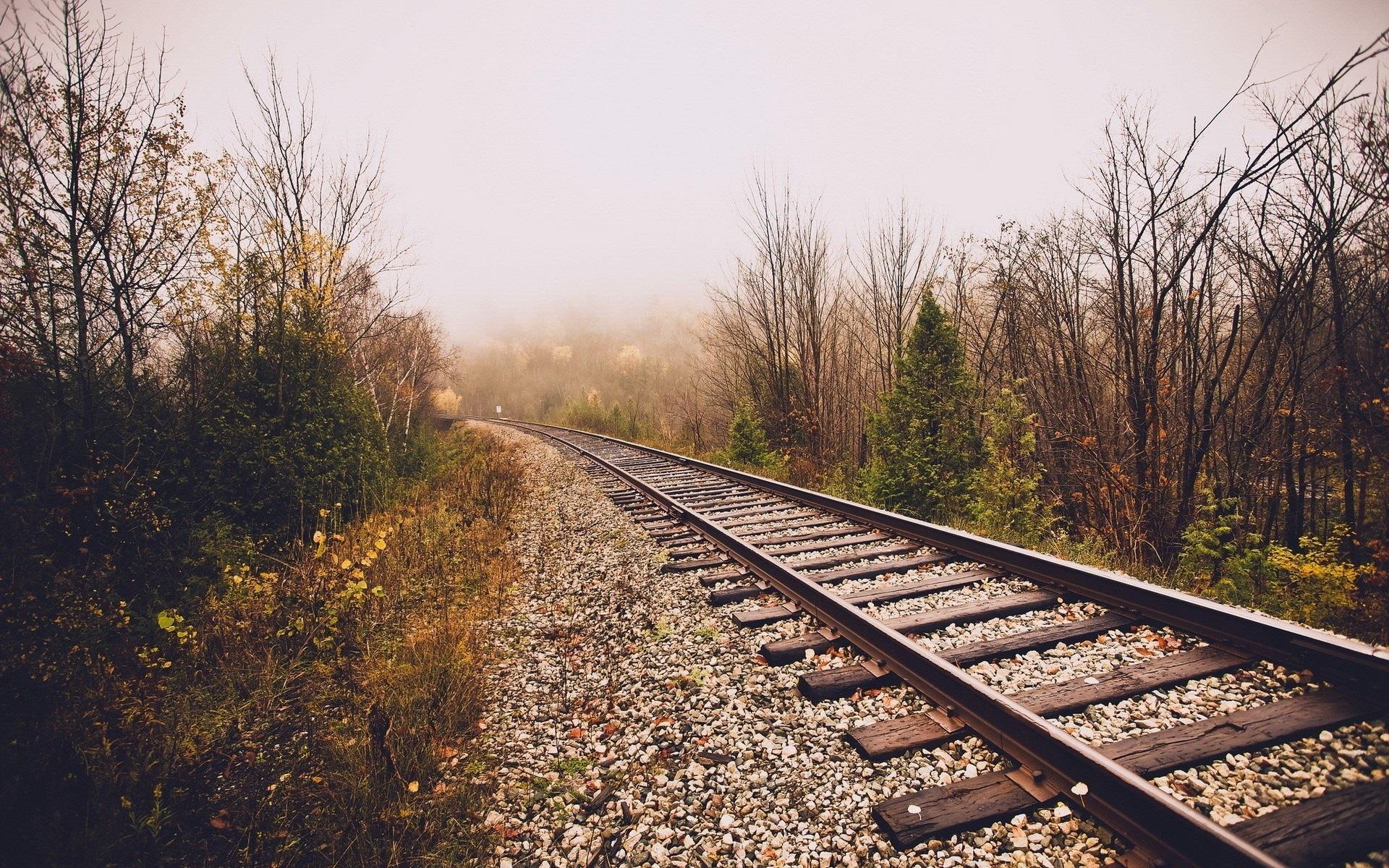 Una ferrovia - Sfondi per PC, iPhone, Android e profilo WhatsApp da scaricare